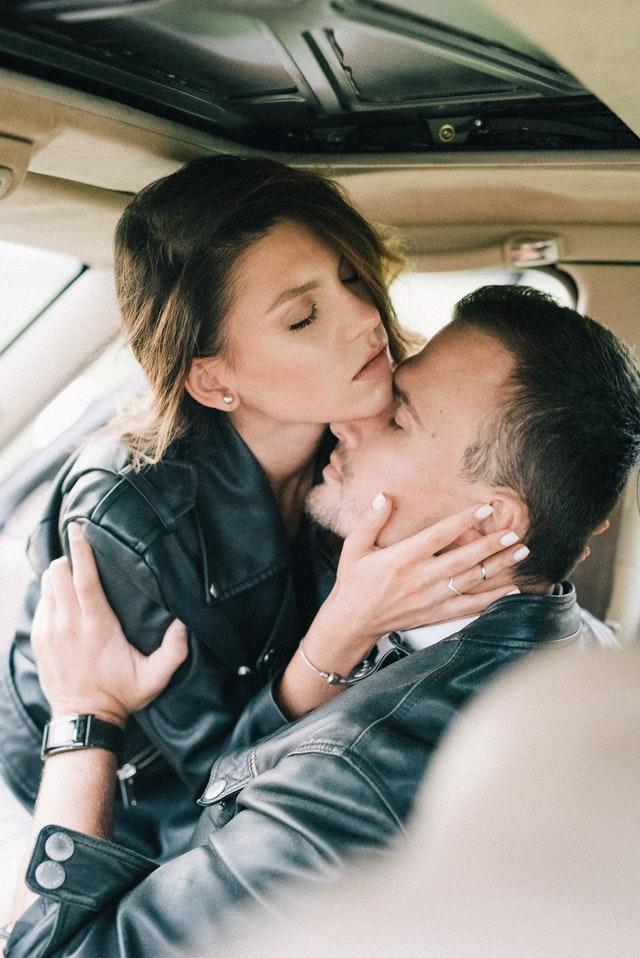Mutual masturbation and intimacy